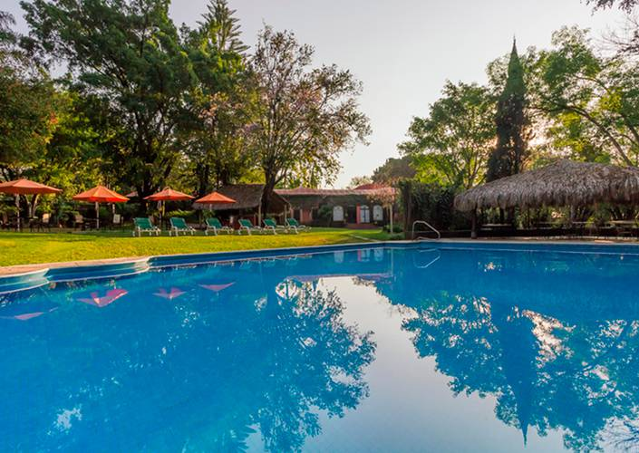 Outdoor swimming pool racquet cuernavaca hotel